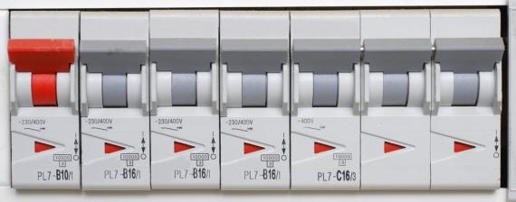 Disjoncteur au tableau électrique